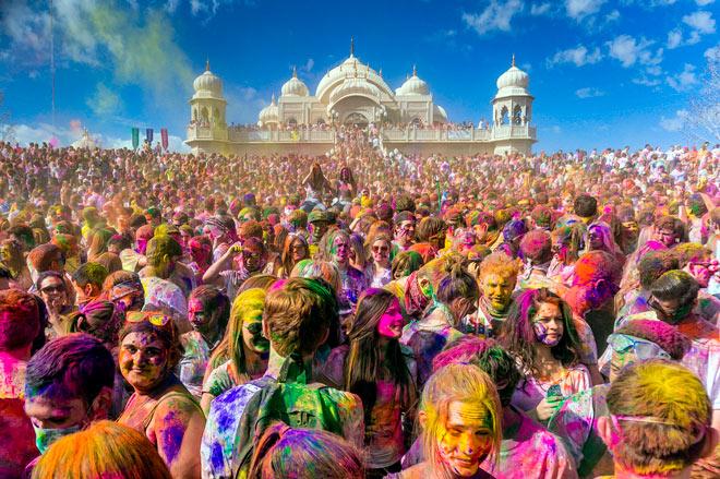 By Steven Gerner - Flickr: Holi / Festival of Colors 2013